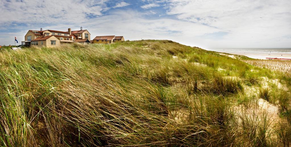 strandhotel nassau bergen in bergen aan zee nederland. Black Bedroom Furniture Sets. Home Design Ideas