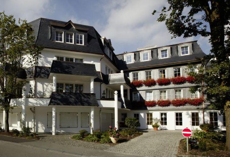 romantik und wellnesshotel deimann in schmallenberg duitsland. Black Bedroom Furniture Sets. Home Design Ideas